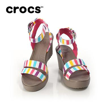 crocs leigh wedge graphic
